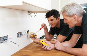 electricians Clearbrook